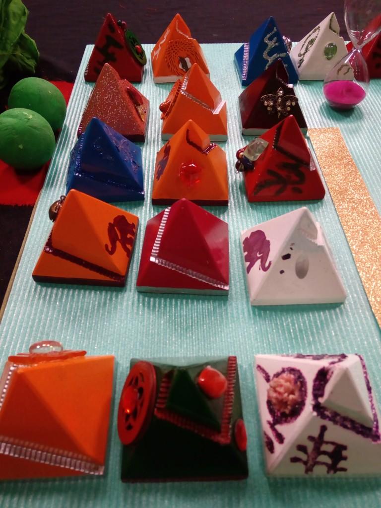 piramide-crveni-mag